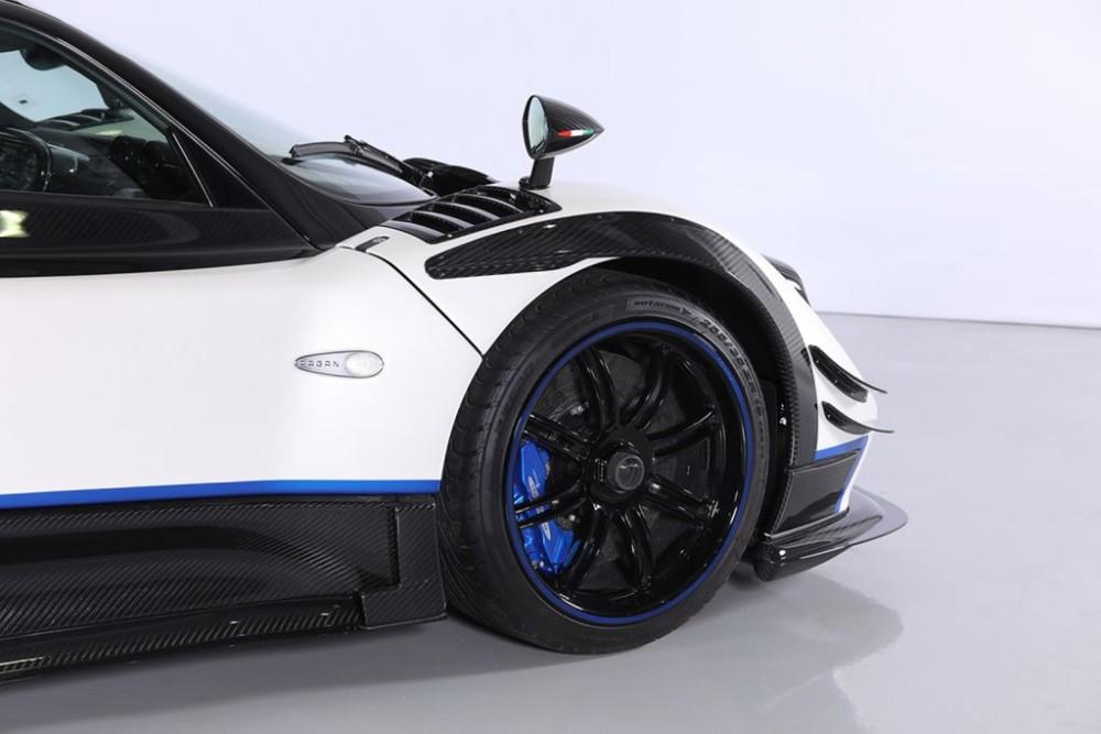 Pagani Zonda Riviera được bán với giá 5,5 triệu USD