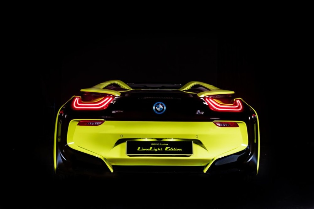 BMW i8 Roadster LimeLight Edition - Độc bản cho người yêu màu xanh