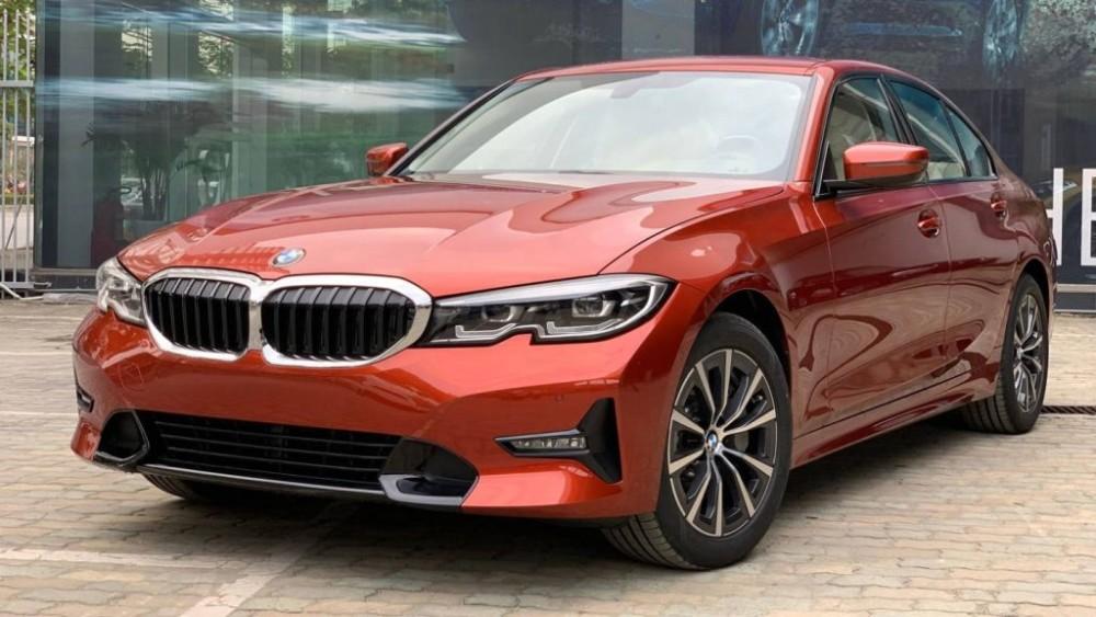 BMW 330i Sport Line giá 2,189 tỷ đồng tại Việt Nam
