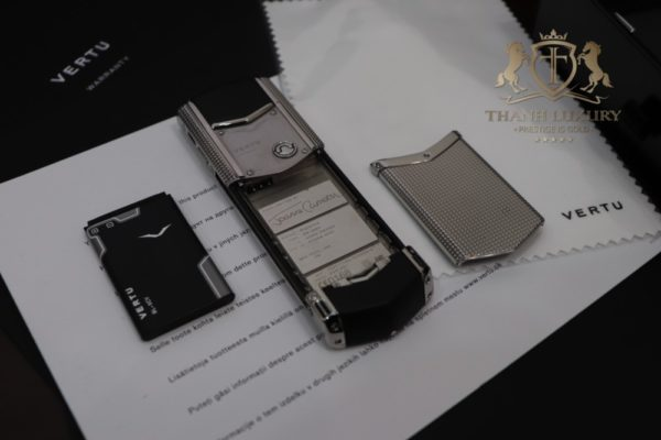 Vertu Signature S Clous De Paris Full Box Like New 99 1