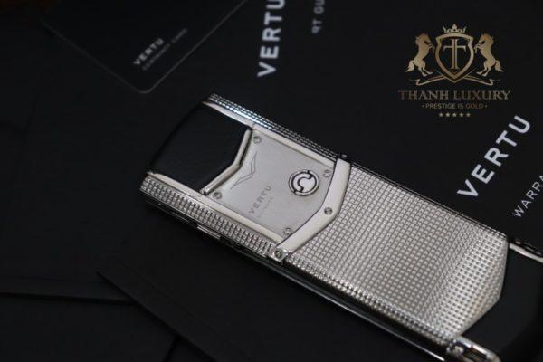 Vertu Signature S Clous De Paris Full Box Like New 99 7