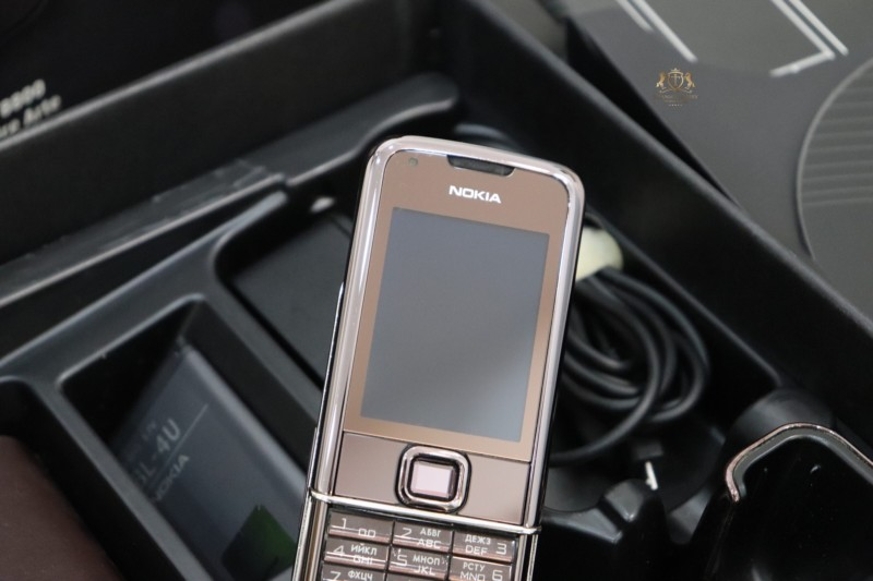 Nokia 8800e Saphire Brown Full Box New 99 7
