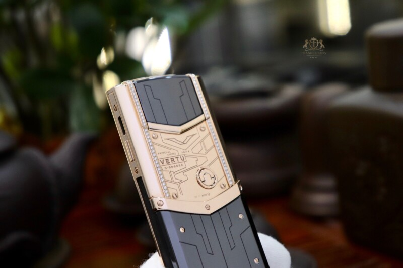 Vertu Signature S Designer Rose Gold Mix Diamonds 12