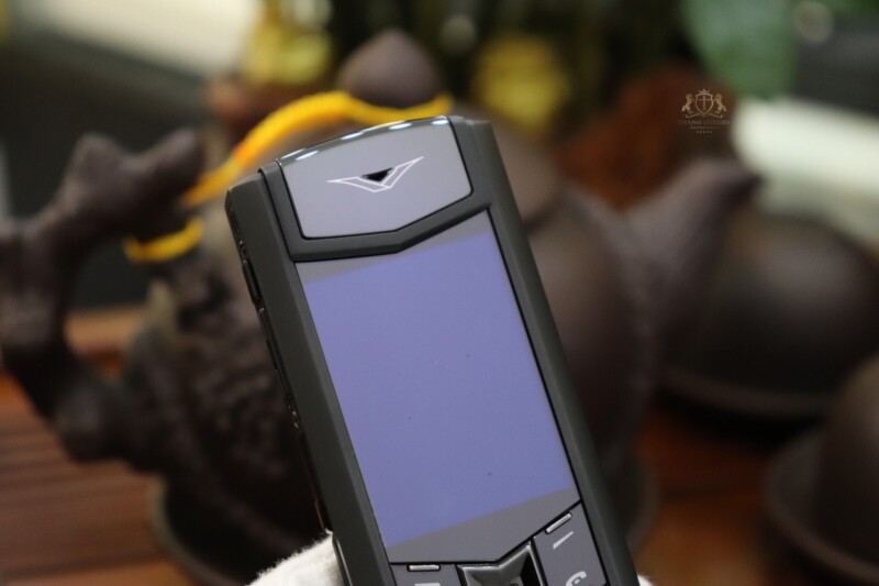 Vertu Signature S Pure Black Dragon Limited 136 150 3